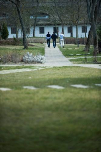 2010-03-19_haza-a-magasban-az ujrakezdes-dilemmai-sarlopuszta_065